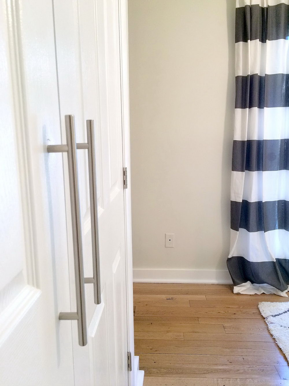 Closet Door Handle Height