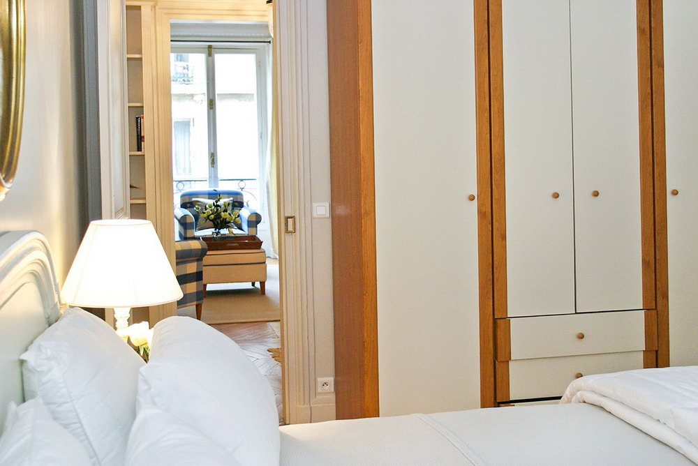 Master Bedroom Built In Closets
