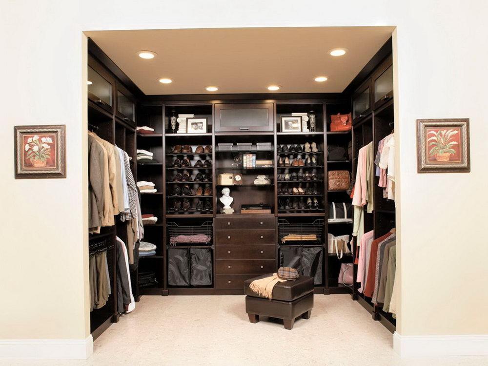 Master Bedroom Walk In Closet Layout