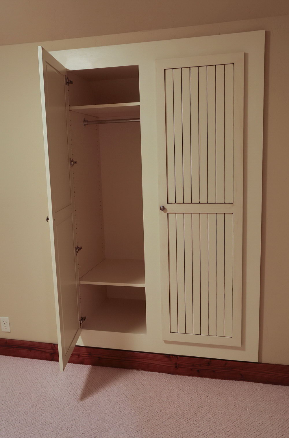 Small Walk In Closet Built Ins