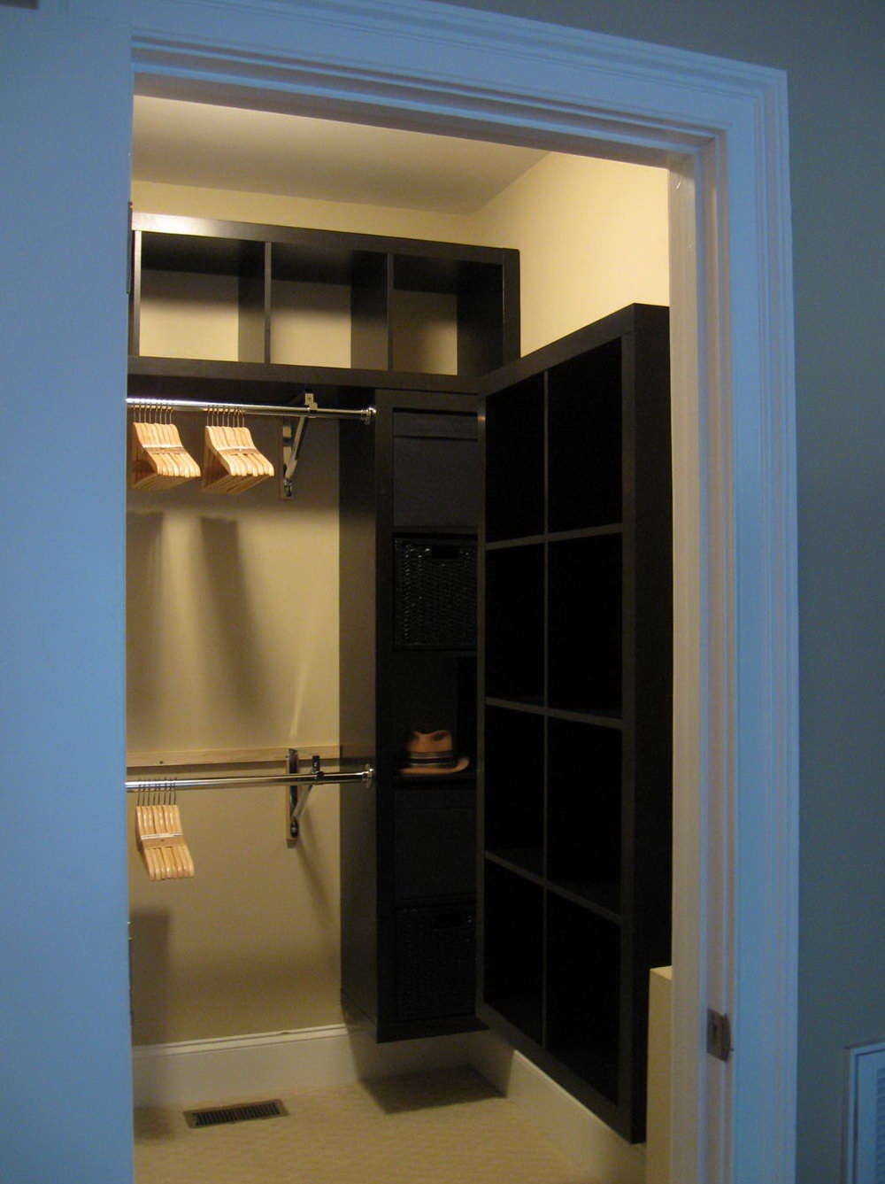 Small Walk In Closet Designs Ideas