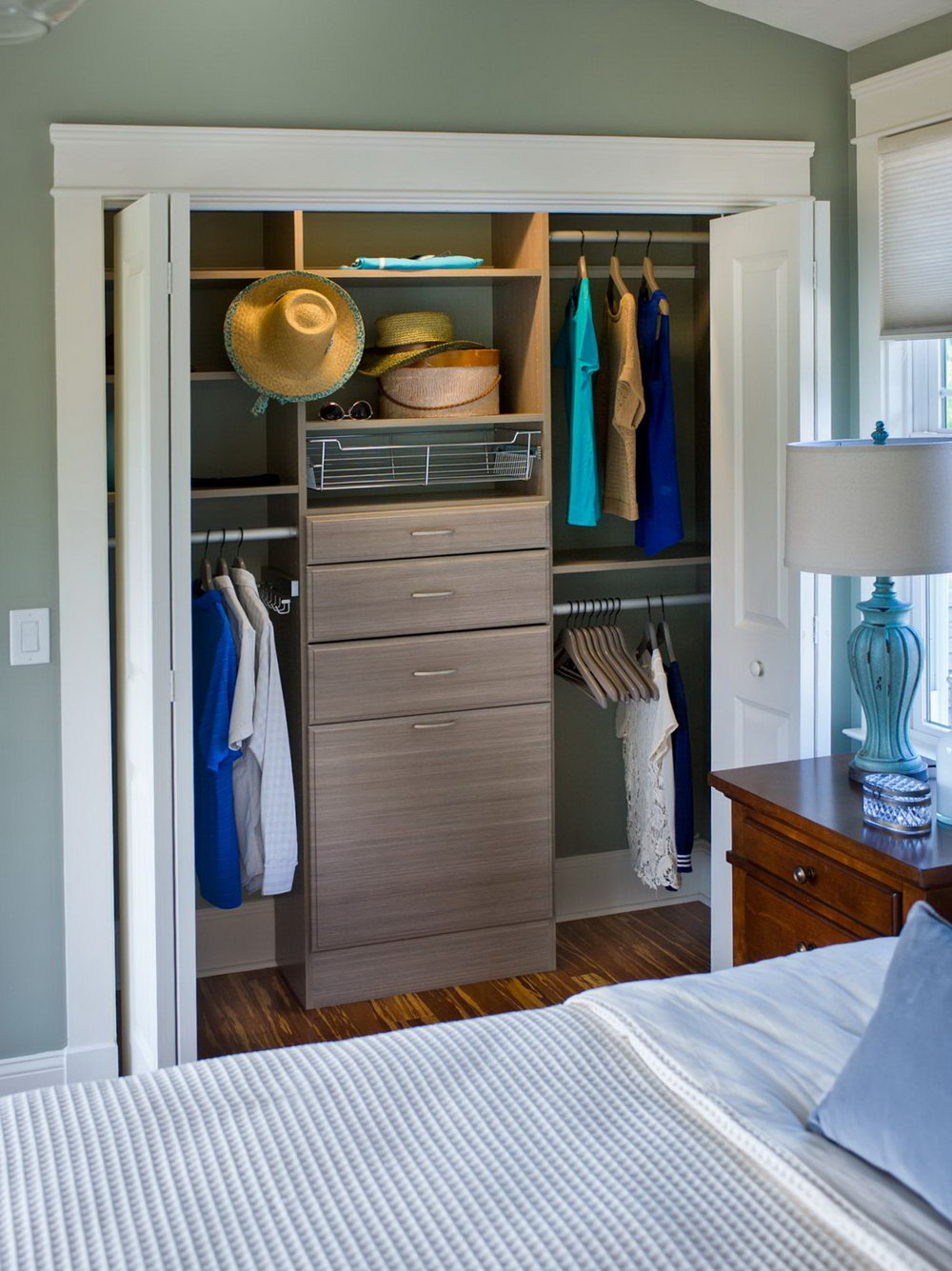 Walk In Closet Doors Open In Or Out