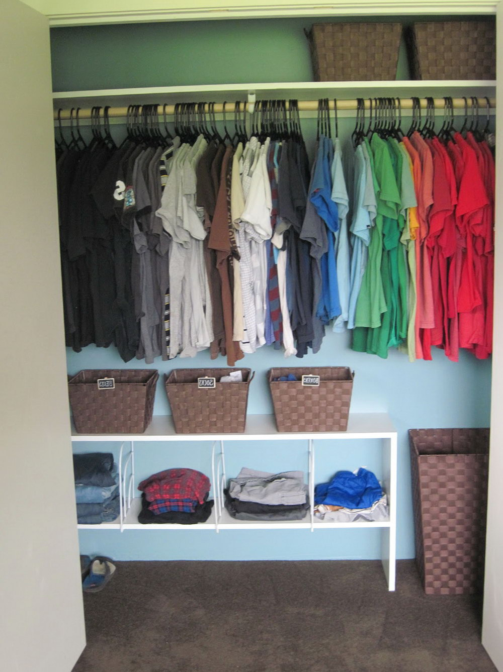 How To Organise Small Closet