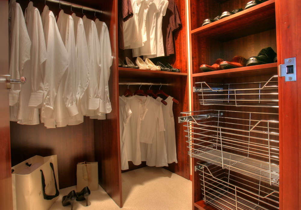 Walk In Closet For Small Spaces
