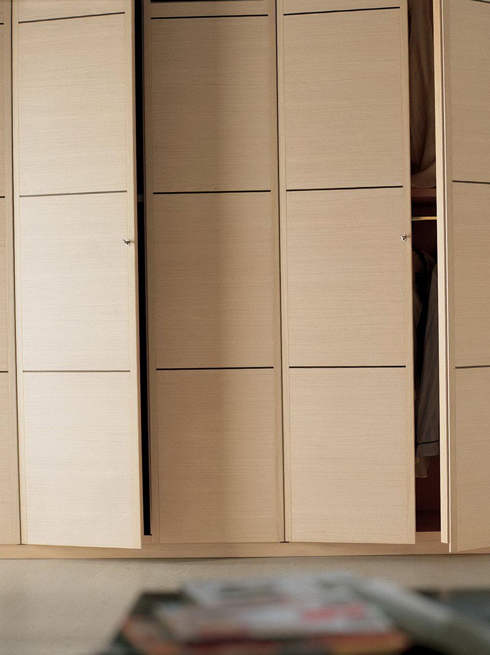 Wood Bifold Closet Doors