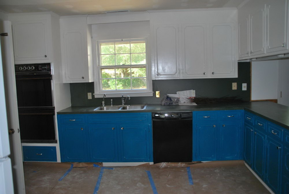 Blue Kitchen Cabinets With Black Countertops