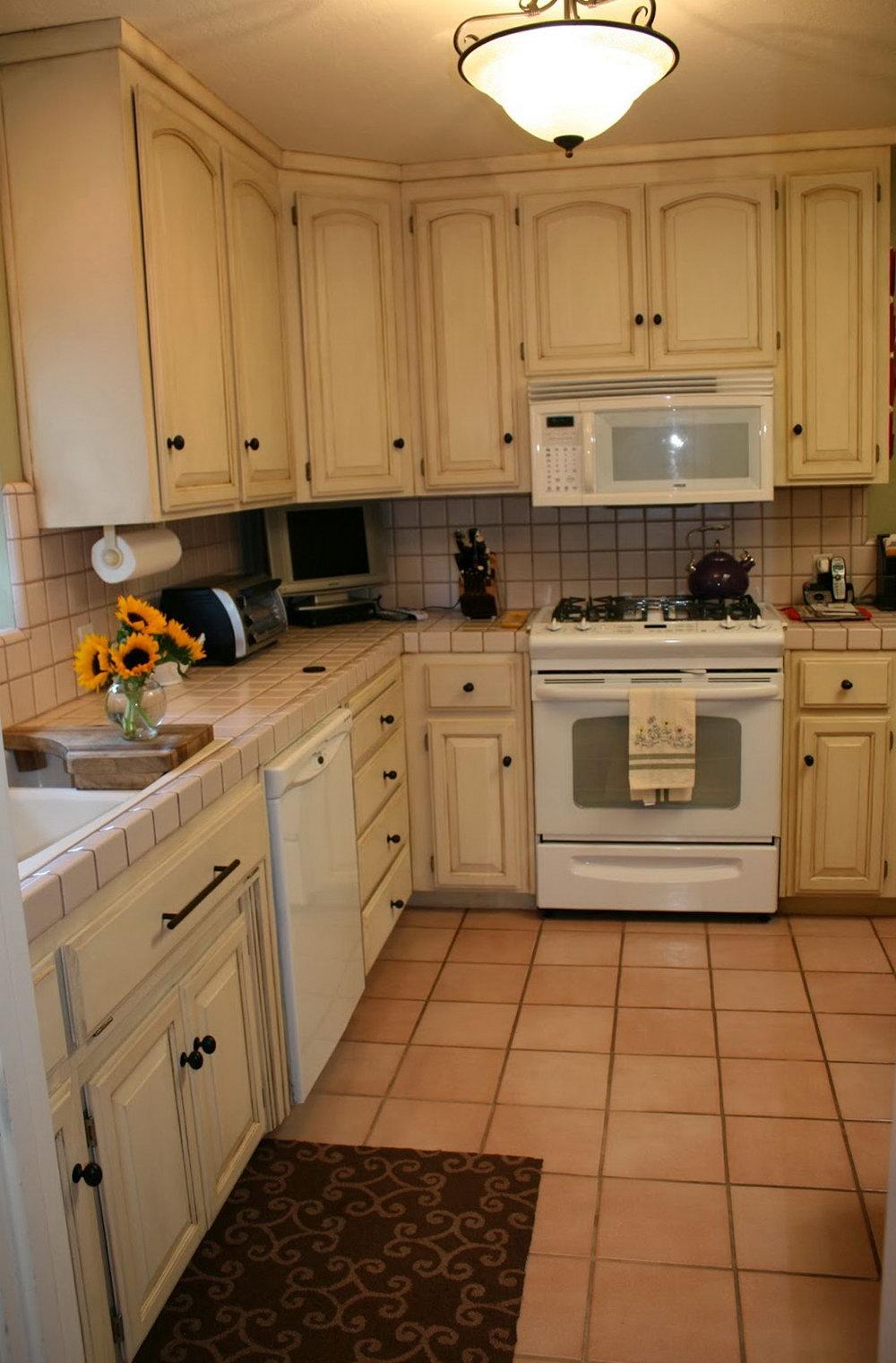 Chalk Paint Kitchen Cabinets Tutorial