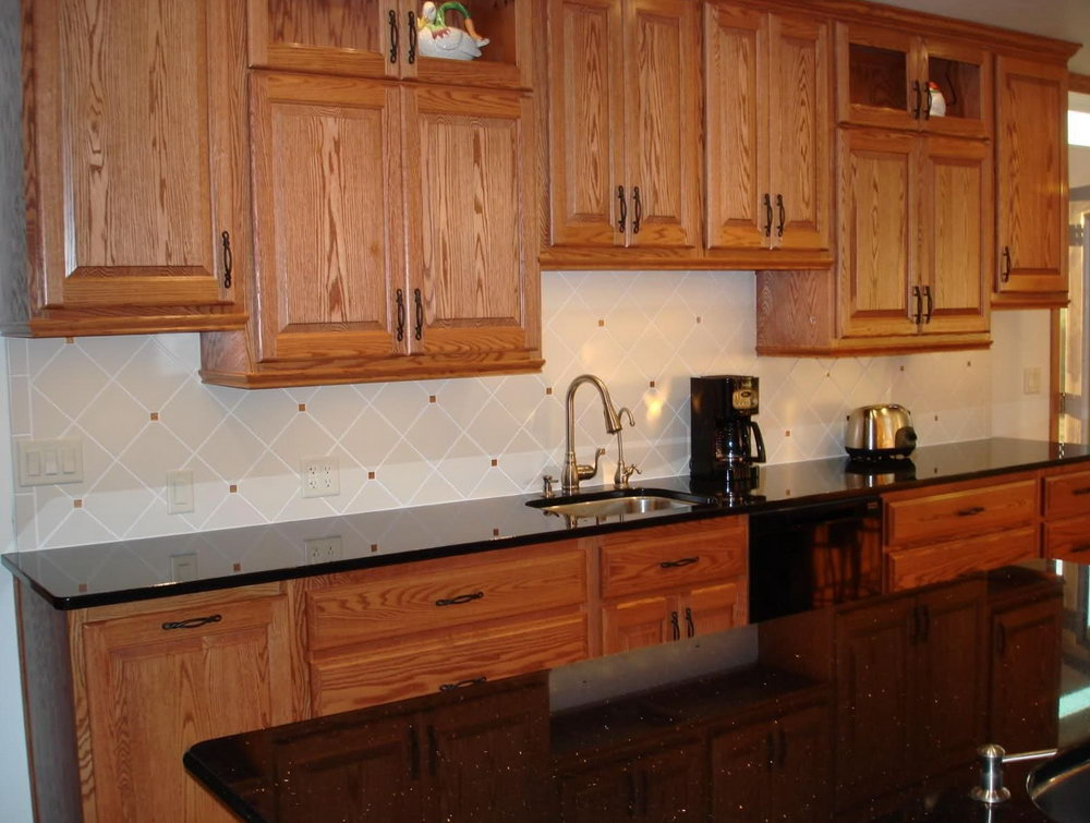 Cherry Kitchen Cabinets With Backsplash