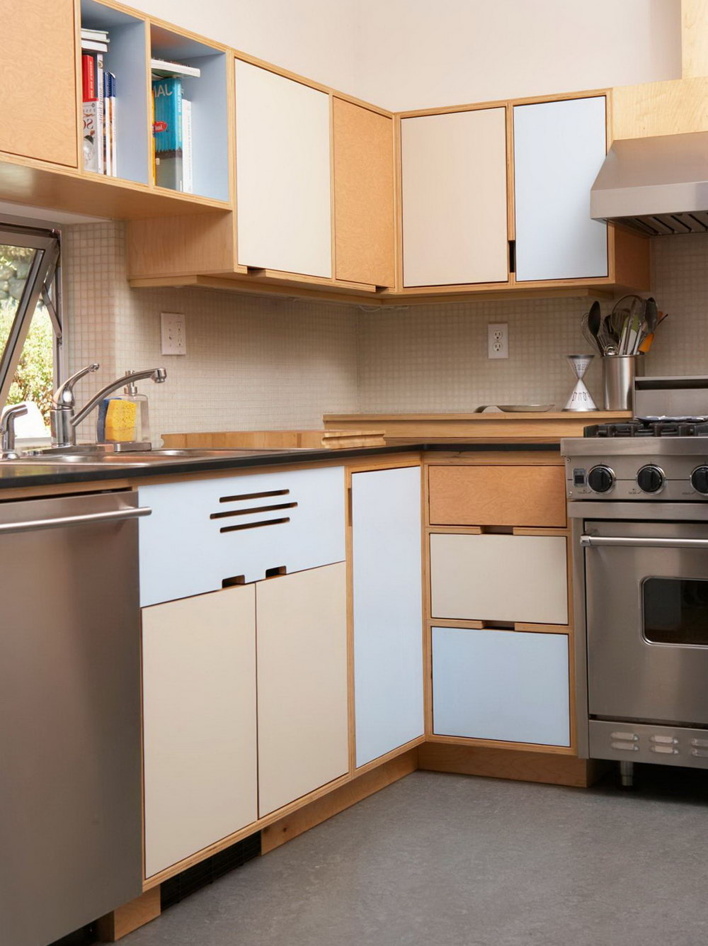 Kitchen Cabinets Storage Solutions