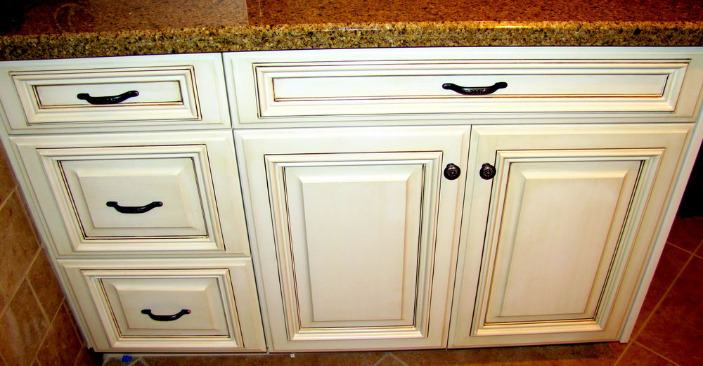 Off White Kitchen Cabinets With Brown Glaze