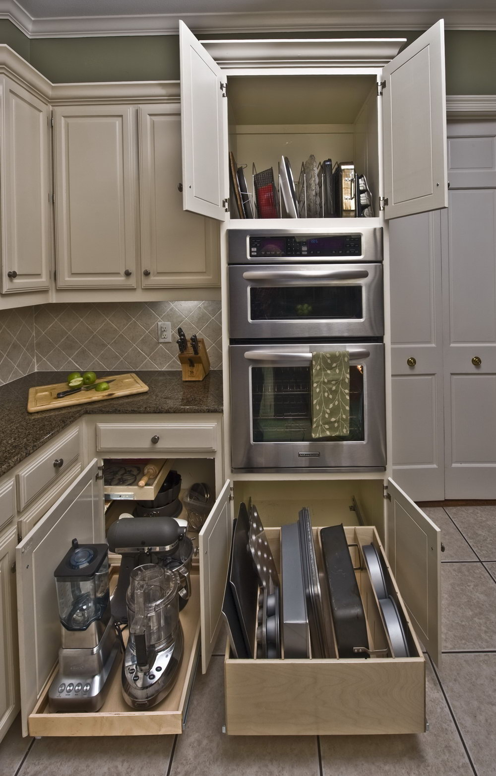 Tall Kitchen Cabinets With Pull Out Shelves