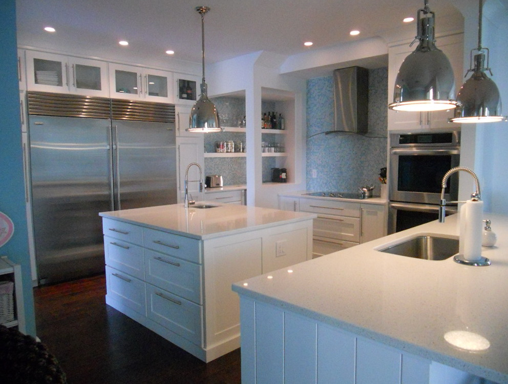 White Kitchen Cabinets With Quartz Countertops