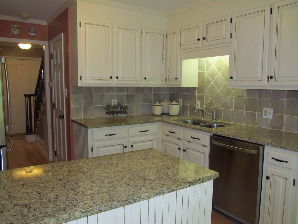 80's Kitchen Cabinet Makeover