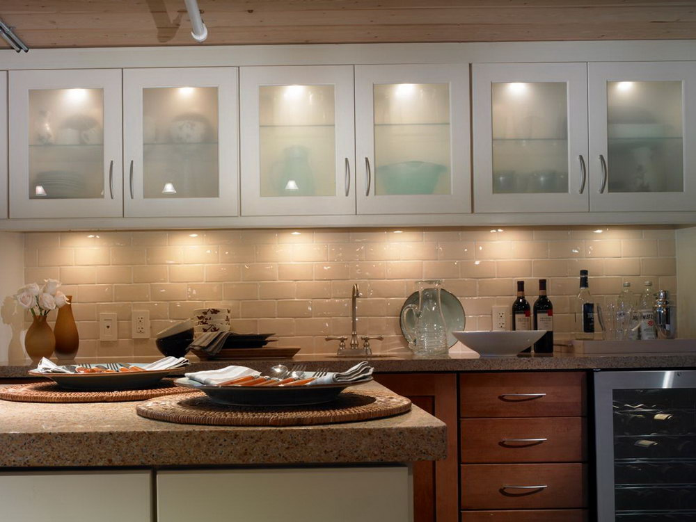 Above Kitchen Cabinet Lighting