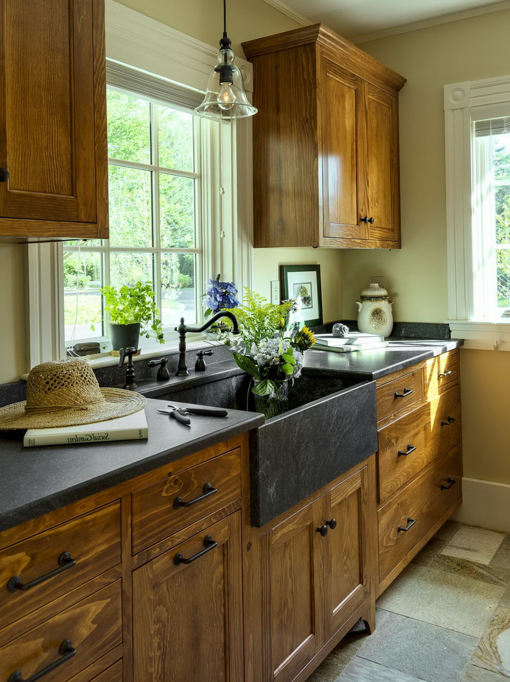 Antique Farmhouse Kitchen Cabinets