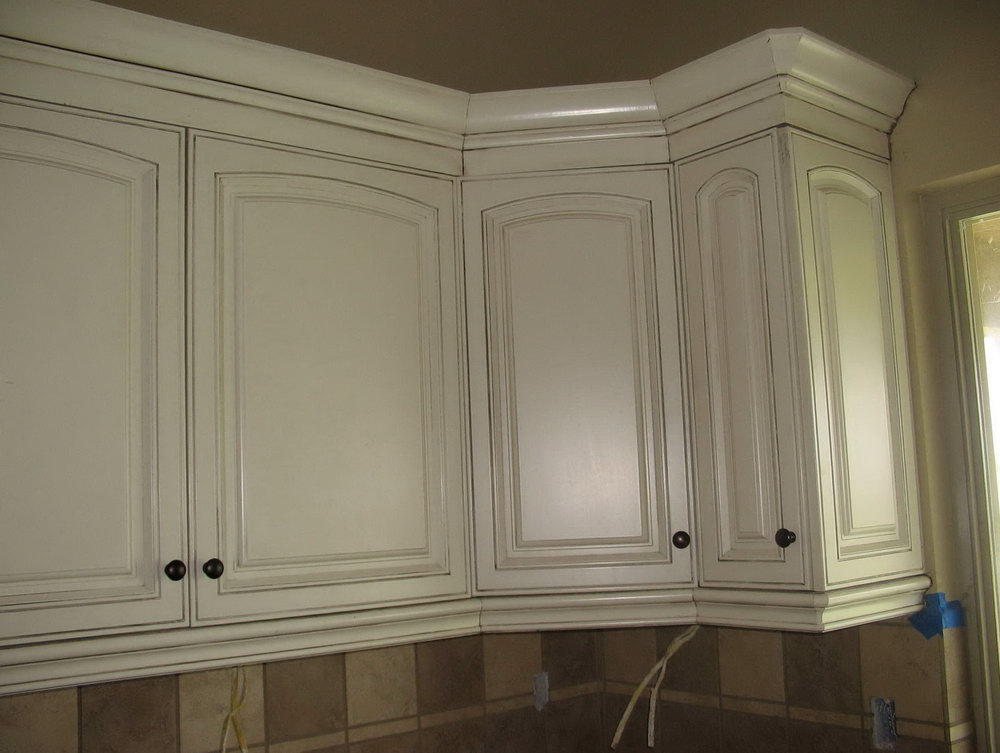 How To Stain Kitchen Cabinets White