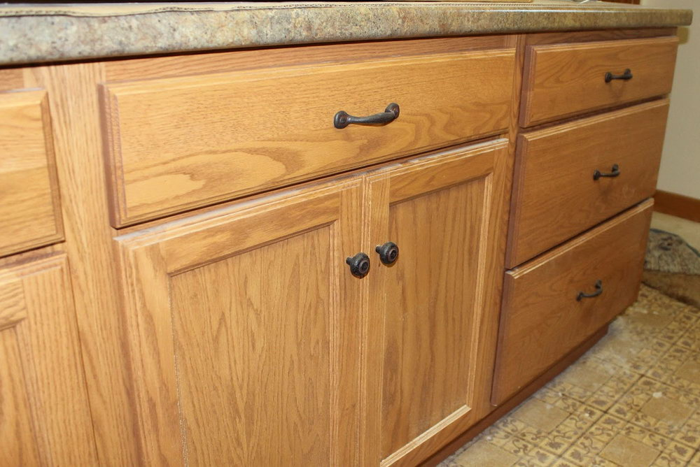 Kitchen Cabinet Knobs And Pulls Placement