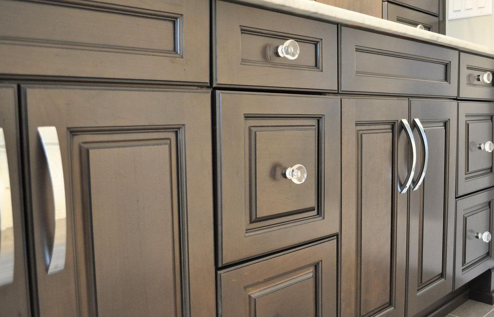 Kitchen Cabinets Handles Ideas