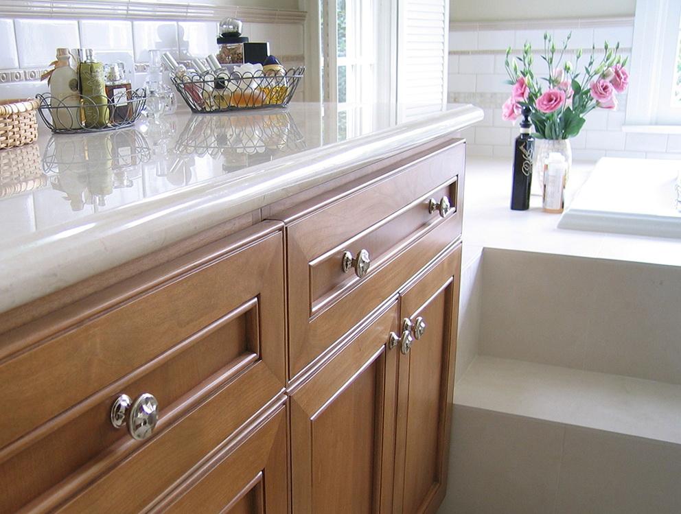 Kitchen Cabinets Knobs Vs Handles