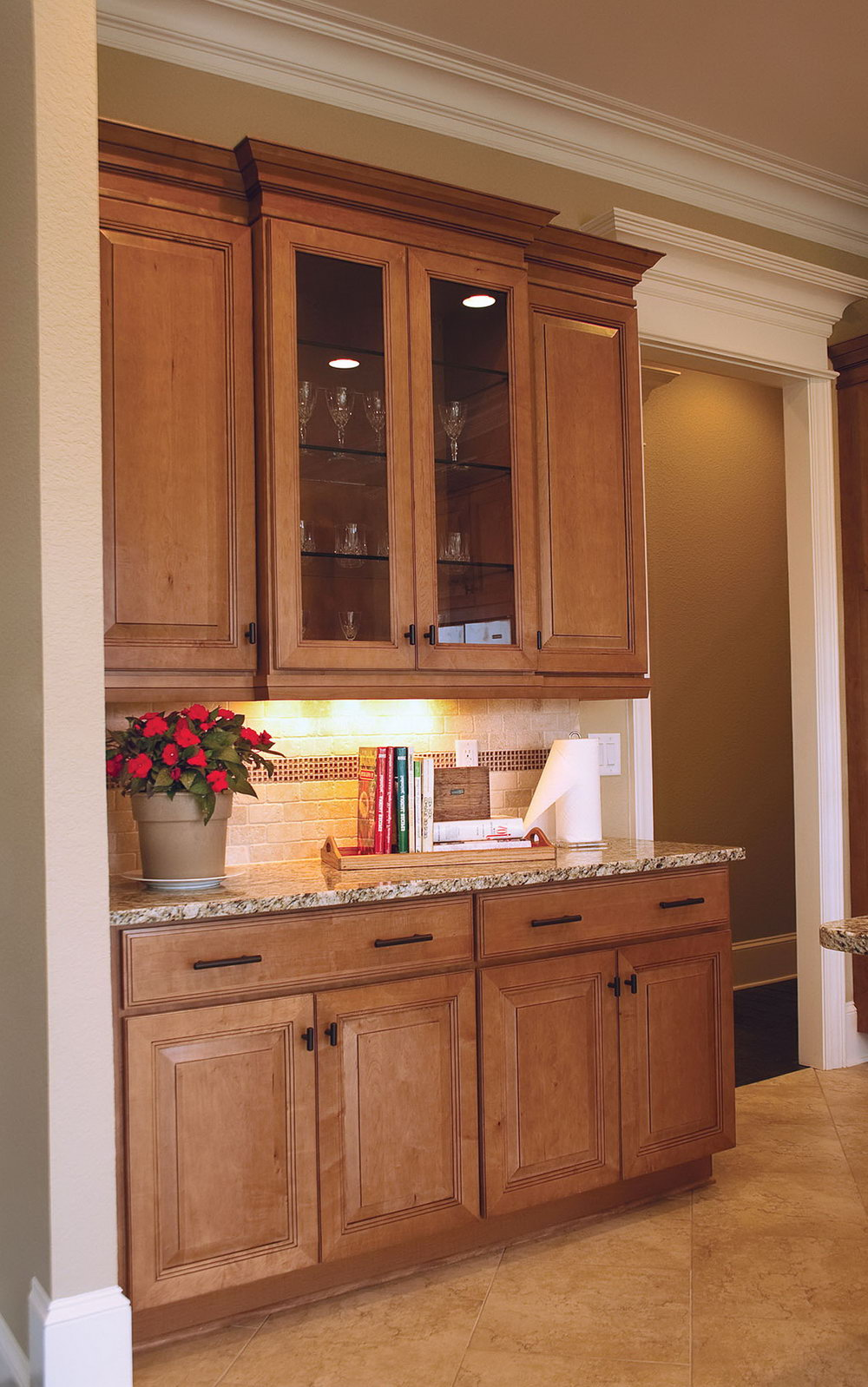 Kitchen Cabinets With Glass Doors Lowes