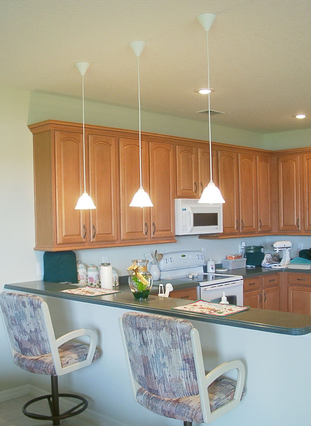 Kitchen Hanging Cabinets Pictures