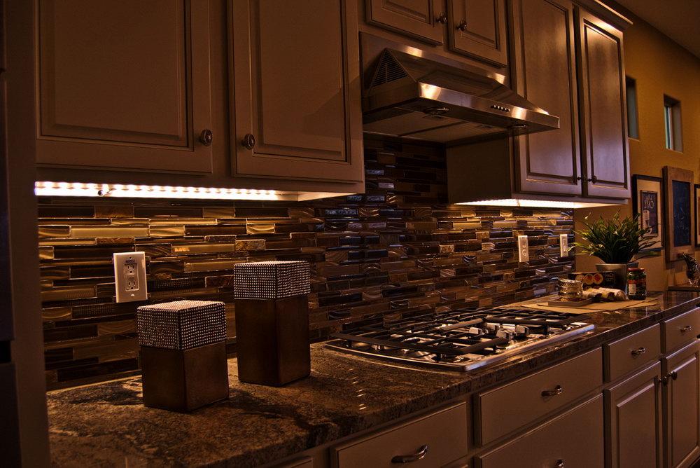 Led Strip Lights Under Kitchen Cabinets
