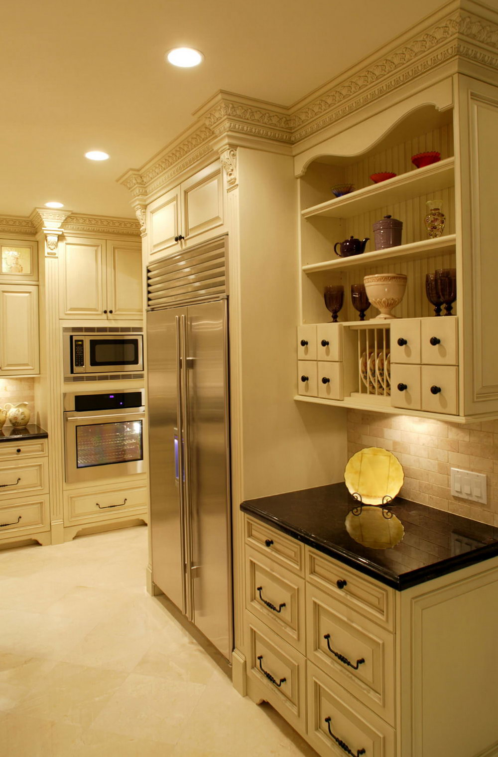 Light Beige Kitchen Cabinets