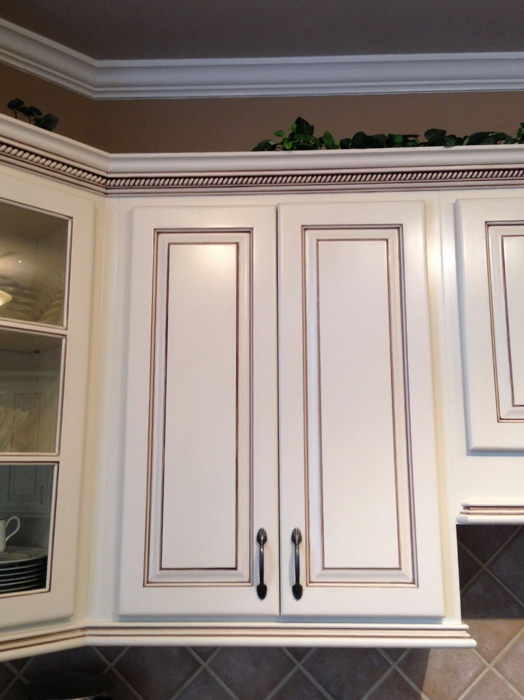 Light Gray Kitchen Cabinets With Chocolate Glaze