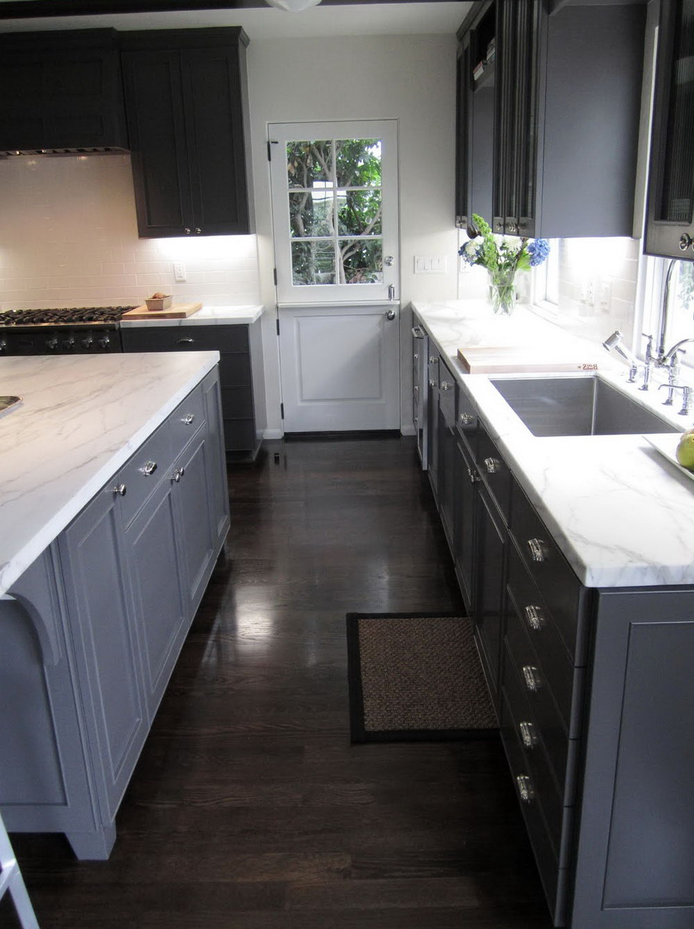 Light Gray Kitchen Cabinets With Dark Floors