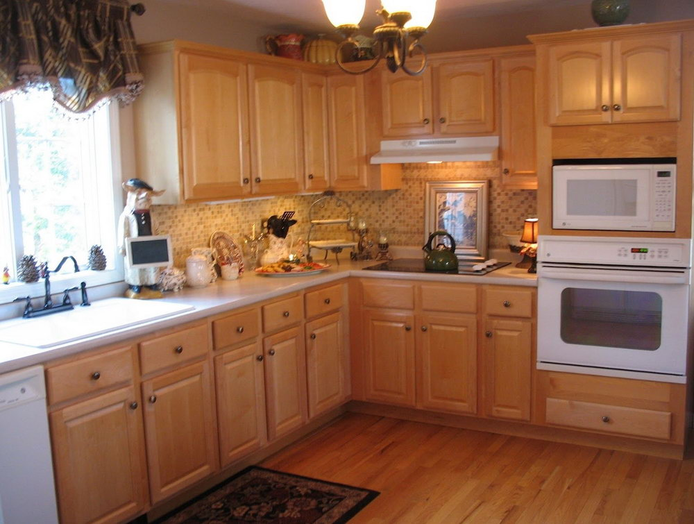 Maple Cabinets Kitchen Wall Color