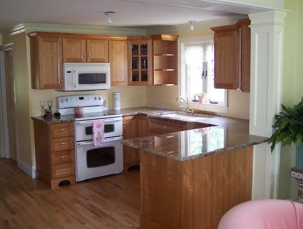 Maple Shaker Style Kitchen Cabinets