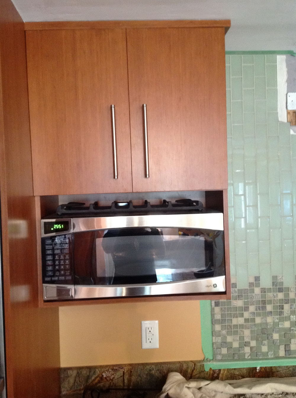 Microwave In Upper Kitchen Cabinet