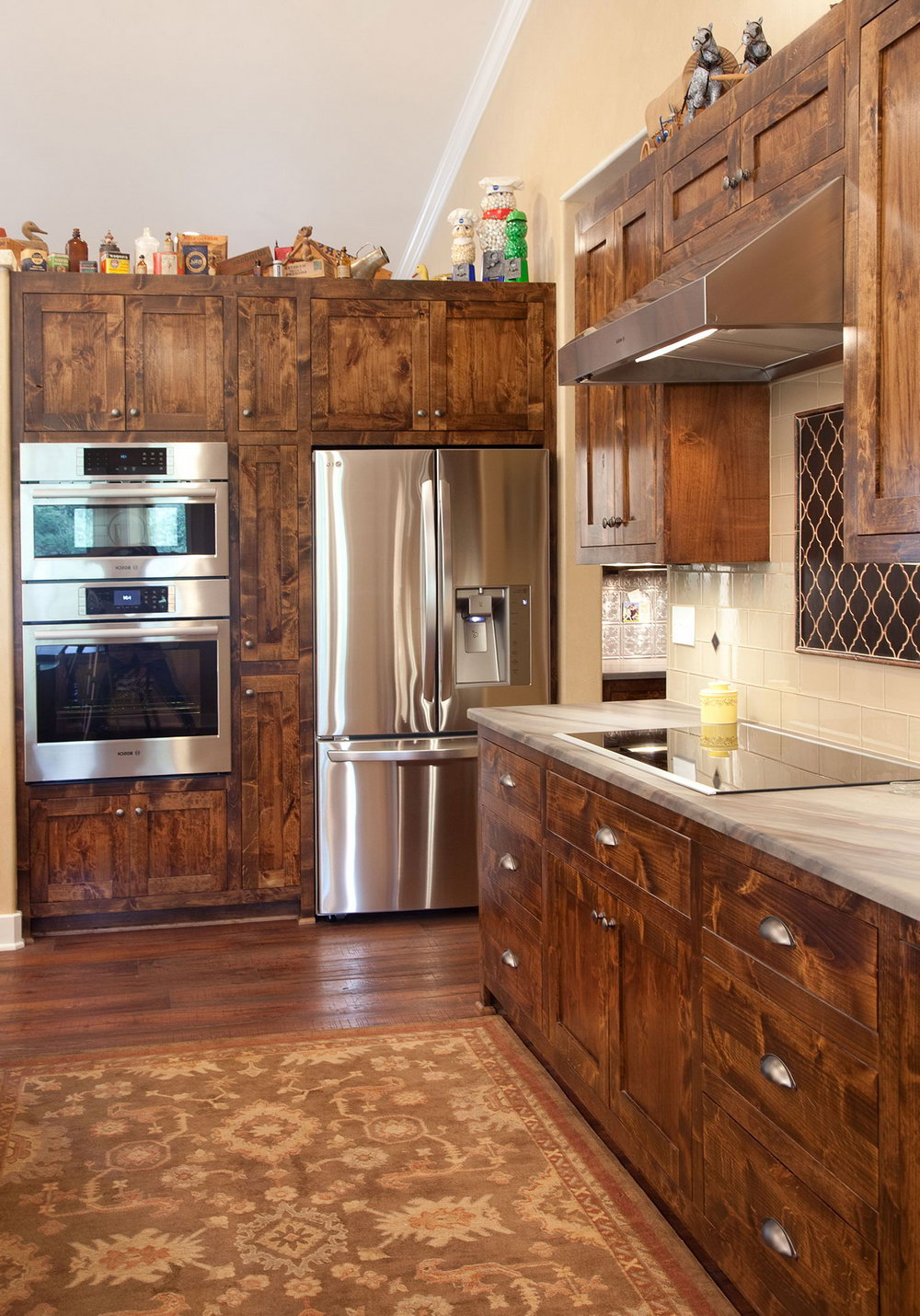 Rustic Shaker Style Kitchen Cabinets