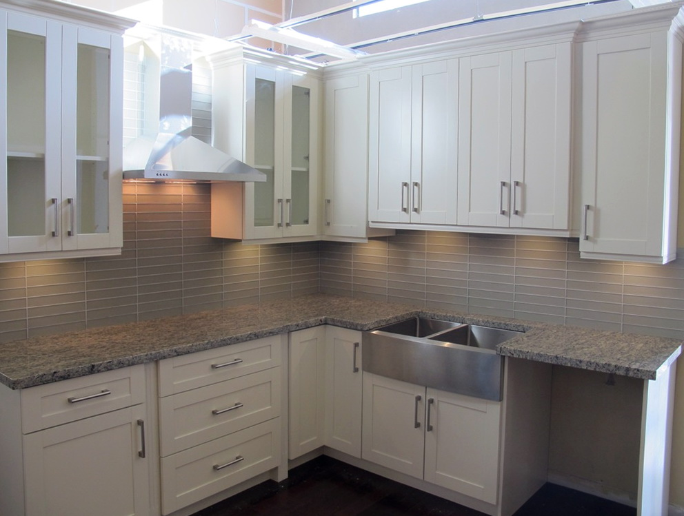 Shaker Style Kitchen Cabinets White