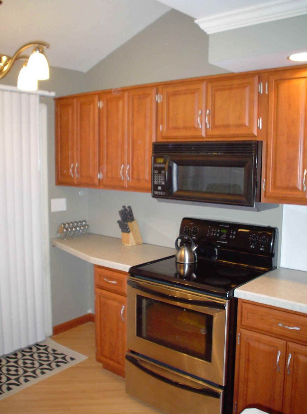 Small Kitchen Cabinet Layout Ideas