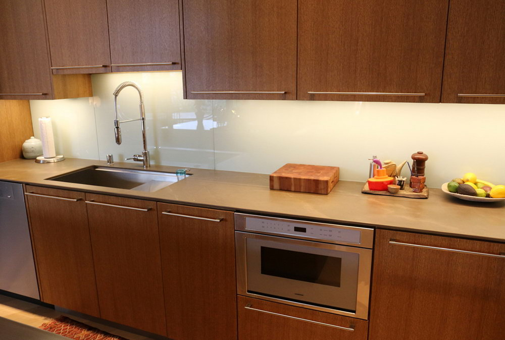 Upper Kitchen Cabinet Lighting
