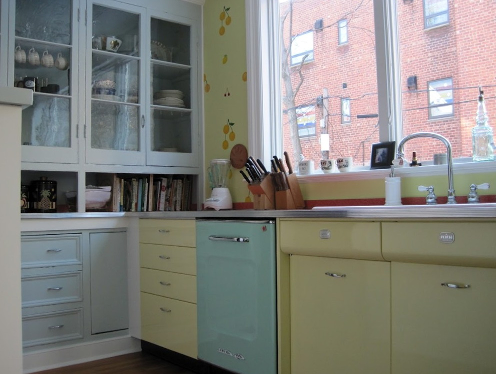 Vintage Kitchen Cabinets With Glass Doors