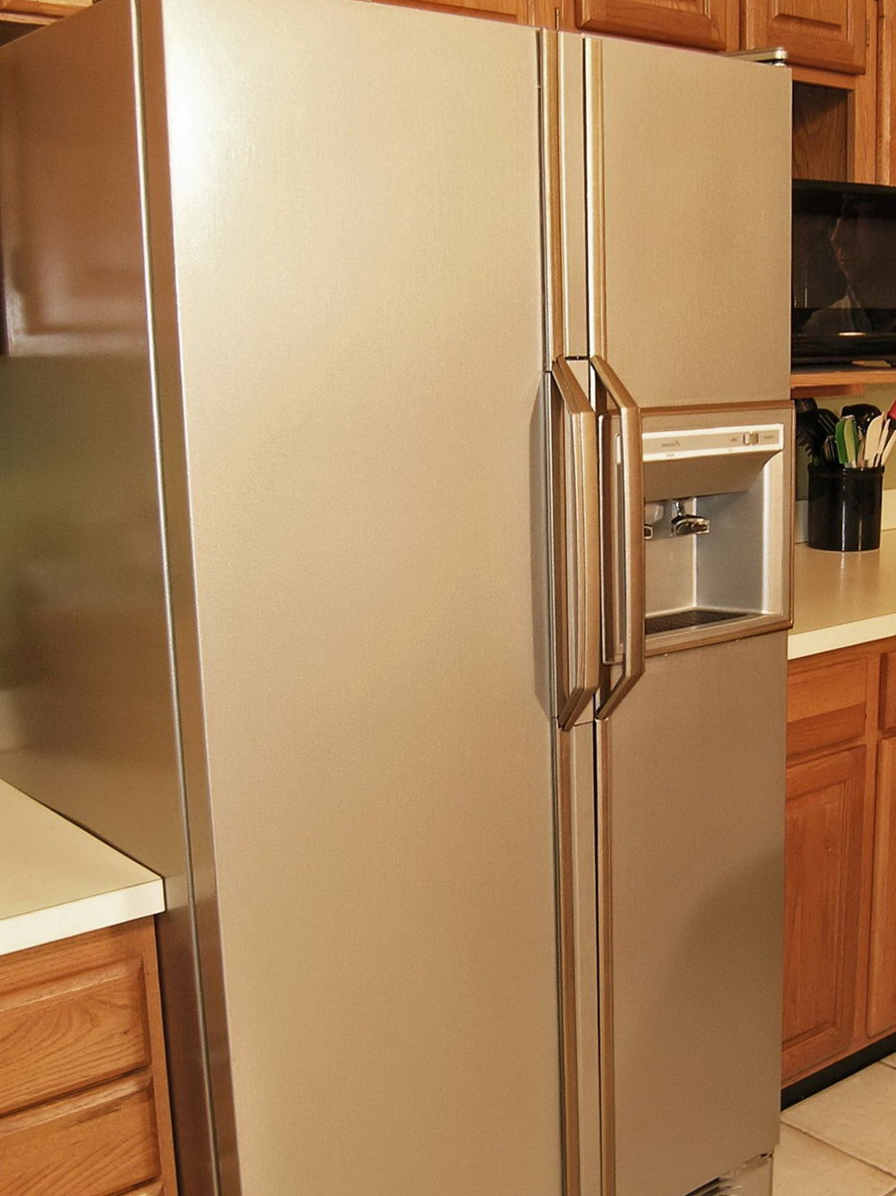 What Color To Paint Kitchen Cabinets With Stainless Steel Appliances