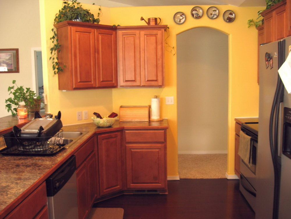 What Color To Paint Kitchen Cabinets With Yellow Walls