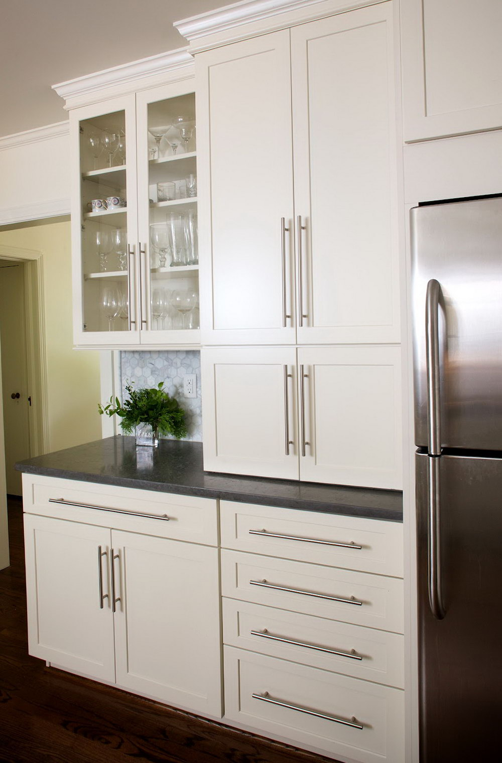 White Handles For Kitchen Cabinets