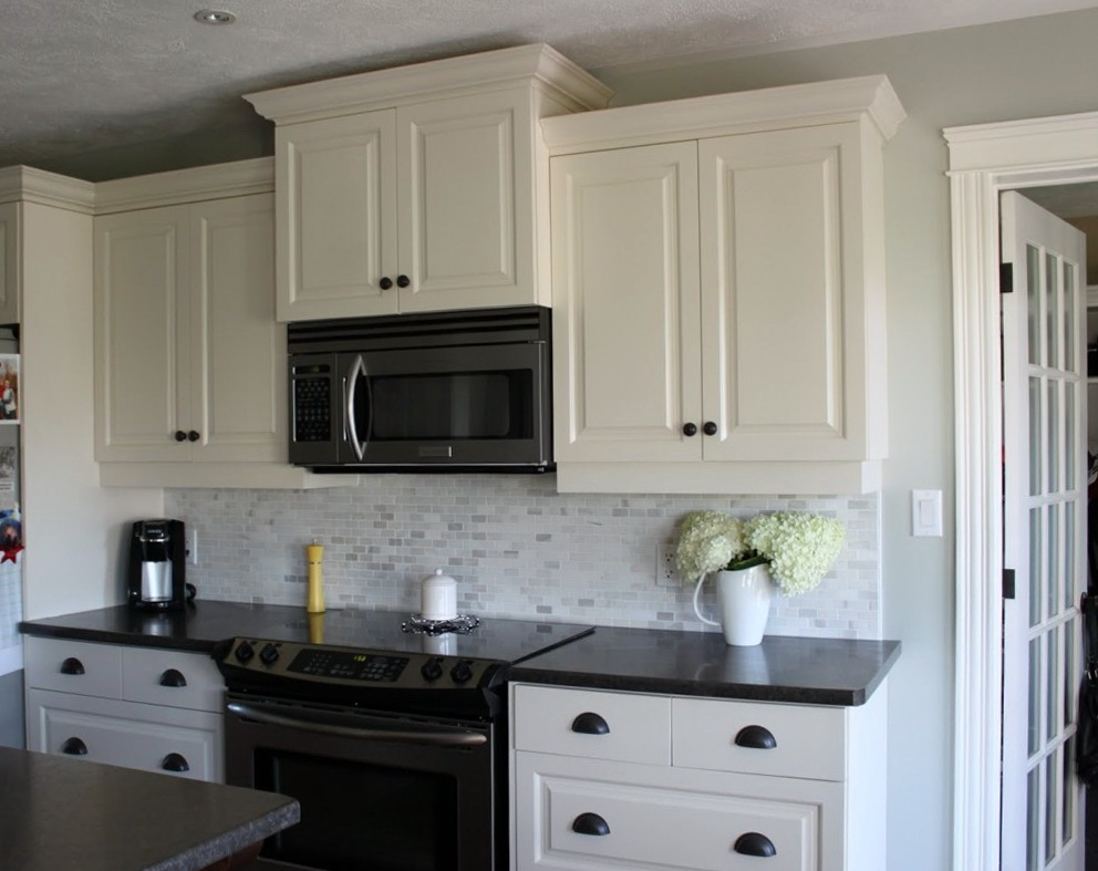 White Kitchen Cabinets Shaker Style