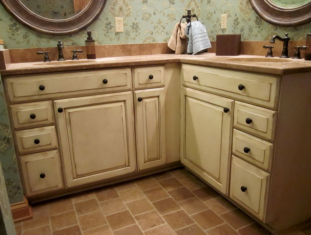 Cream Antiqued Kitchen Cabinets