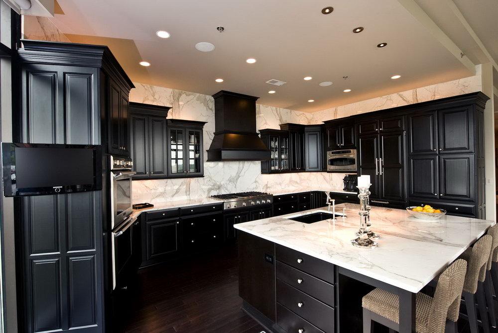Dark Cabinet Kitchen Backsplash