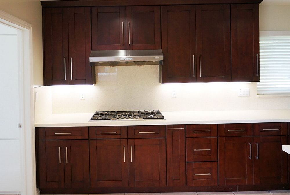 Dark Mahogany Kitchen Cabinets