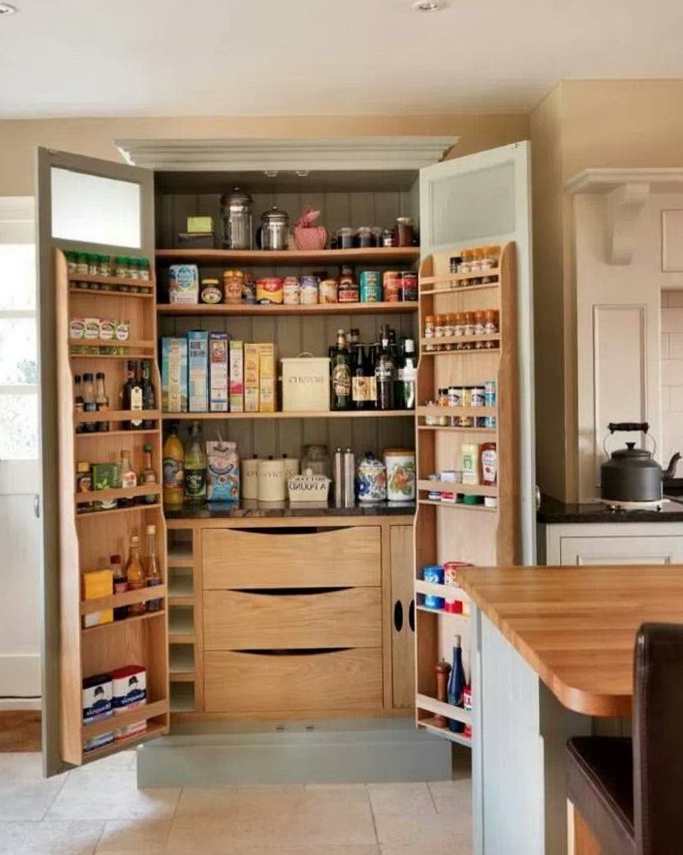 Kitchen Cabinet Pantry Pull Out