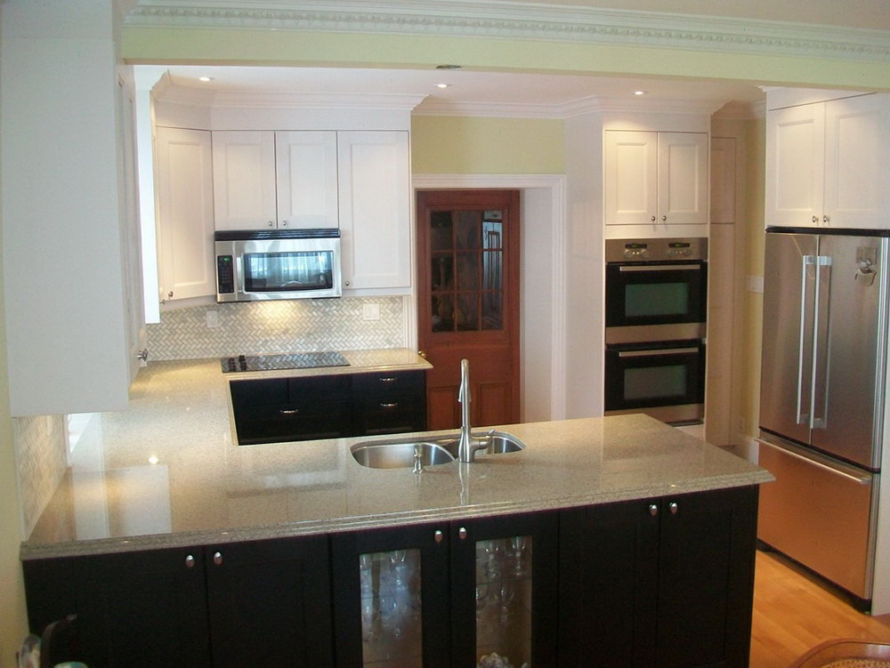 Kitchen Cabinets Dark Bottom White Top