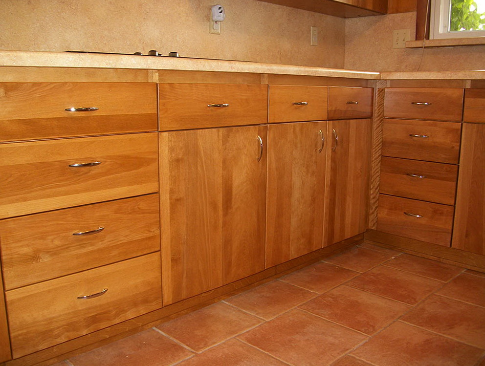 Kitchen Cabinets With Deep Drawers