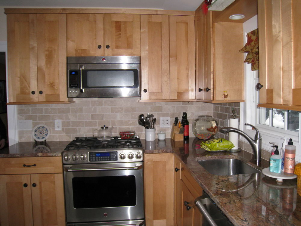 Kitchen Paint Colors With Light Brown Cabinets