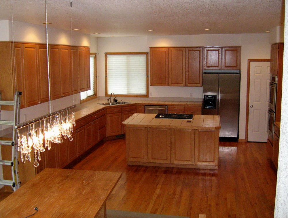 Kitchens With Oak Cabinets And Wood Floors