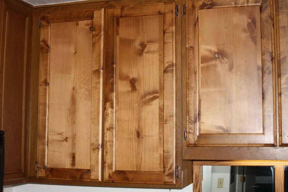 Knotty Alder Shaker Kitchen Cabinets